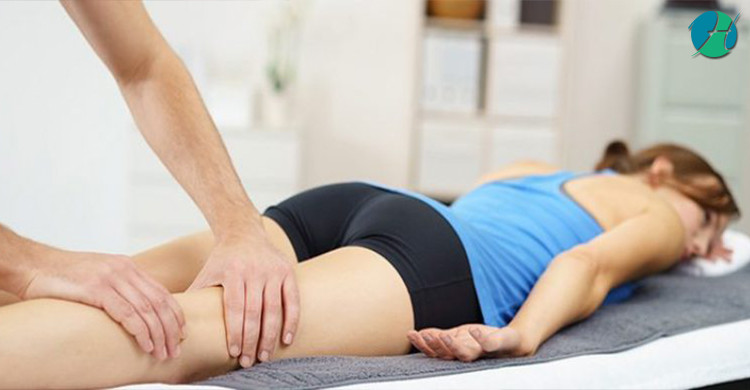 What is the Difference Between a Massage Therapist and a Chiropractor?